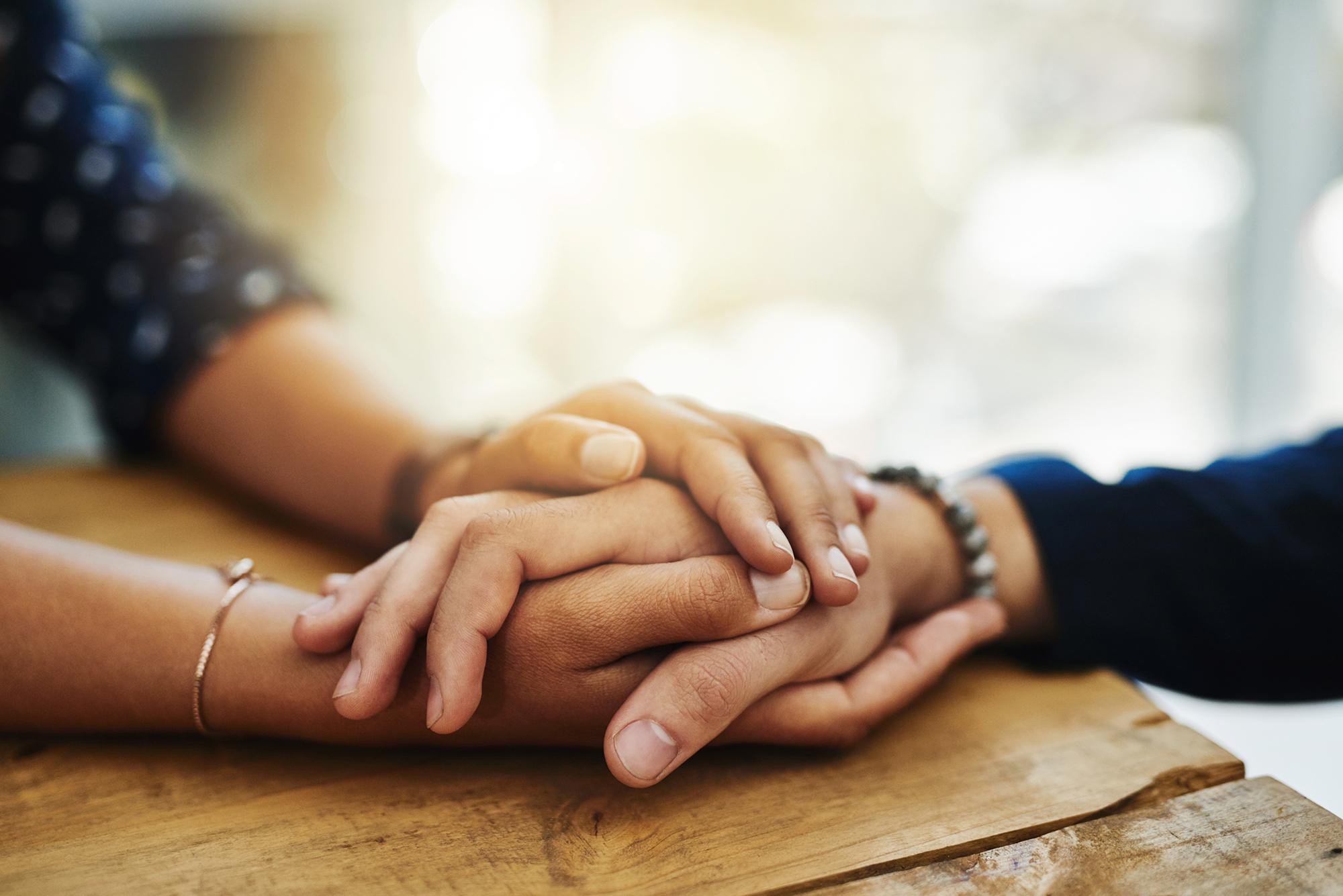 Ineinander gelegte Hände